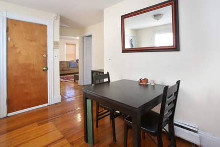 102534Massave2Dining